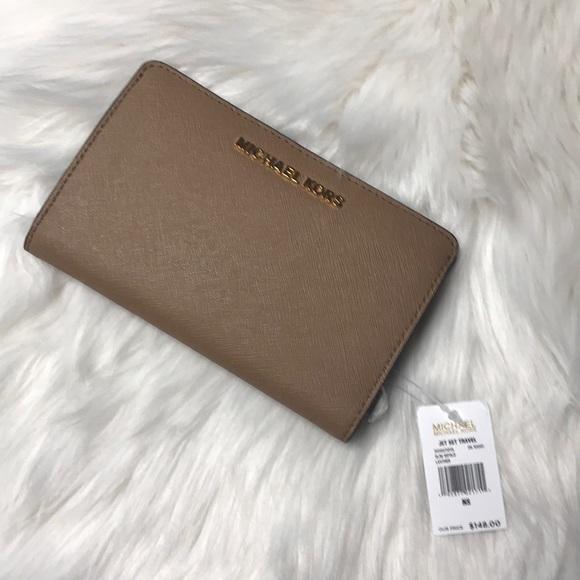 7aa3148fc5f91c Michael Kors Bags | Jet Set Travel Slim Bifold Wallet Nwt | Poshmark